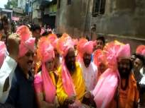 Ganesh Visarjan 2018 : पालकमंत्री गिरीश महाजन यांनी गणेश विसर्जन मिरवणुकीमध्ये बडविला ढोल