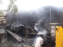 बार्शीत पुठ्याच्या गोडाऊनला आग, गॅस टाकीचा स्फोट, एकाचा होरपळून मृत्यू, तिघे जखमी
