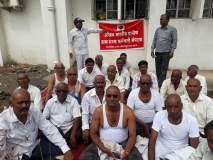 श्रीरामपुरातील टपाल कर्मचा-यांनी केले मुंडण :आंदोलनाच्या १४ वा दिवस