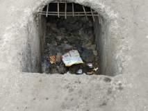रस्त्यावर धोकेदायक खड्डा