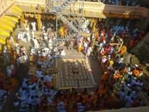 श्रवणबेळगोळ येथील बाहुबलीच्या मूर्तीवर जलाभिषेक, मुख्य सोहळ्यासाठी उत्सुकता