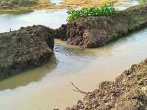 चार महिन्यातच तलावाच्या नहराला भगदाड