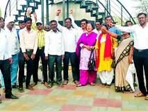 पंतप्रधानांनी शहीद परिवाराची जाहीर माफी मागावी