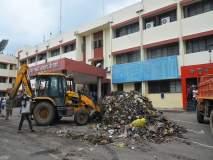शिवसेनेने कचरा टाकल्यानंतर जिल्हाधिकारी कार्यालय ९९ मिनिटांत स्वच्छ