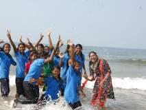 रत्नागिरी : गावापलिकडचं जग पाहून हरखून गेलो,समुद्राच्या लाटांवर स्वार झालेल्या नक्षलवादी प्रभावित गावांमधील विद्यार्थ्यांचे उद्गार
