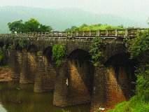 महामार्गावरील मोहोप्रे पुलाला तडे, वाहतूक धोक्यात