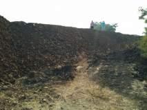 मुंब्रा खाडीत रेतीचे मनमानी उत्खनन; संभाव्य धोके टाळण्यासाठी रेल्वेच्या सशस्त्र जवानांचा पहारा