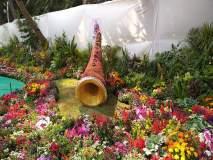 राणीच्या बागेत पाना-फुलांपासून बनली सनई, बासरी आणि गिटार