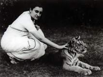 Indira Gandhi Birth Anniversary - ...अन् इंदिरा गांधींना 'दुर्गा' हे विशेषण जोडलं गेलं!