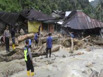 इंडोनेशियातील पापुआमध्ये पूराचा हाहाकार, 79 जणांचा मृत्यू