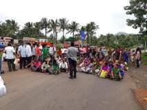 सिंधुदुर्ग : ग्रामस्थांनी तळेरे कोल्हापूर राष्ट्रीय महामार्ग रोखला, मंदिरातील पुजारी बदलण्याची मागणी