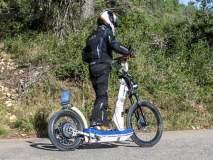 आश्चर्य...KTM ची सीट नसलेली स्कूटर; उभे राहून चालवायची...