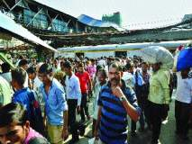 मालाड रेल्वे स्थानक :प्रचंड गर्दी, धोकादायक पूल, वाढती अस्वच्छता; अरुंद फलाटांचा त्रास