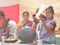 #खामगाव कृषि महोत्सव : खरपूस रोडगे, खांडोळी, मिरचीच्या भाजीचा आस्वाद, अन् गृहोपगोयी वस्तूंची खरेदी!