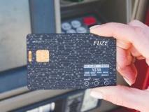 30 प्लास्टिक कार्डांची काय गरज... एक फ्यूज कार्डही काफी है!