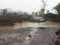 पहिल्याच पावसात पैनगंगा नदीवरील पर्यायी पूल गेला वाहून