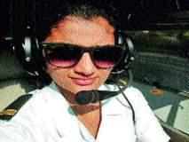जिंकलसं पोरी! किराणा दुकानदाराच्या मुलीची गगनभरारी, परिस्थीतीवर मात करत बनली पायलट