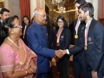 राष्ट्रपतींनी घेतली राष्ट्रकुल स्पर्धेतील पदक विजेत्या खेळाडूंची भेट