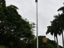 पुण्यात पालकमंत्री गिरीश बापट यांच्या हस्ते ध्वजरोहण