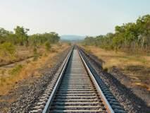 काळ्या फिती बांधून रेल्वे प्रवास