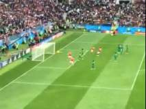Fifa World Cup 2018 | रशिया आणि सौदी अरेबियाच्या संघांमध्ये झालेल्या सलामीच्या लढतीमधील एक क्षण