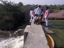 काकस्पर्श होण्यासाठी श्रीगोंदा शहरामधील बंधा-यातून सोडले पाणी