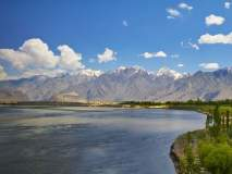 भारत रोखणार नद्यांचं पाणी; पाकिस्तानात निर्माण होणार पाणीबाणी