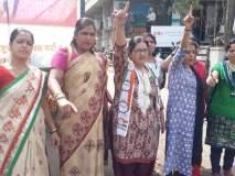सांगलीत सॅनिटरी पॅडसवरील जीएसटीविरोधात आंदोलन, महिला राष्ट्रवादीचे निवेदन : पॅडसवर २२ टक्के कर हटवा