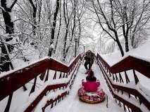 रशिया : मॉस्कोमध्ये तुफान बर्फवृष्टी, एकाचा मृत्यू