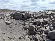 उजनीतील पाणी पातळीत घट; सोगाव पाण्याबाहेर, शिल्पे पडली उघडी