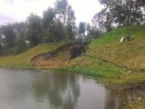 कर्नाटकचे शेतकरी उचलतात सोलापूरच्या बंधा-यातून पाणी