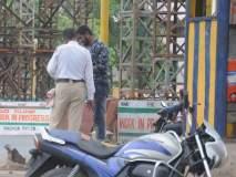 कोल्हापूर : वाहतूक पोलिसाशी हुज्जत, दोघांवर गुन्हा, सीपीआर चौकातील प्रकार