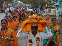 तुकाराम महाराज गाथा सप्ताहानिमीत्त कौलखेड परिसरात भव्य शोभायात्रा