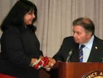 'भगवद्गीतेवर हात ठेऊन शपथ घेते की'... न्यूयॉर्कच्या सर्वोच्च न्यायालयात न्यायाधीशपदी भारतीय महिला