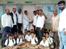 पदवीधर शिक्षक नसल्याने ग्रामस्थांनी शाळेला ठाेकले टाळे