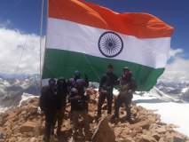 20 हजार फुटांवर झेंडा फडकवून त्यांनी साजरा केला स्वातंत्र्यदिन