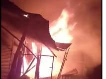पहाटे लागलेल्या आगीत फर्निचरचे दुकान जळून खाक