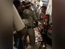 पोलिसांनी मुजोर फेरीवाल्यांना दाखविल्या खाक्या