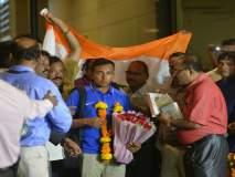 विश्वविजेत्या यंग इंडियाचे मुंबईत 'शॉ'नदार स्वागत