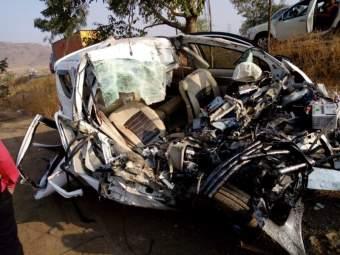 येवला-मनमाड मार्गावरभीषण अपघात, 6 जणांचा मृत्यू