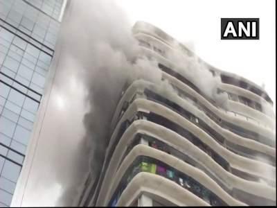 परळमधल्या क्रिस्टल टॉवरच्या 12व्या मजल्यावर लागलेल्या आगीत चौघांचा मृत्यू