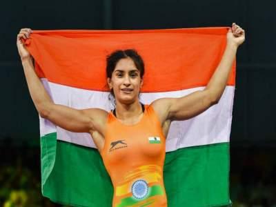 Asian Games 2018: विनेश फोगाटनं रचला 'सोनेरी' इतिहास, भारताला दुसरं सुवर्णपदक