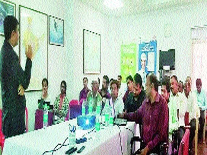 Devendra Sonatkke: Organizing a workshop at Lakhmapur; Participation of dignitaries | ईपीएफओच्या योजनांचा लाभ घ्यावा देवेंद्र सोनटक्के : लखमापूर येथे कार्यशाळेचे आयोजन; मान्यवरांचा सहभाग