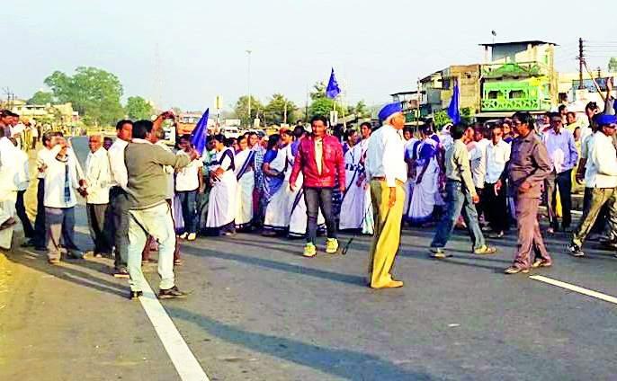 Bhandara spontaneous shutdown | हल्ल्याच्या निषेधार्थ भंडारा स्वयंस्फूर्त बंद