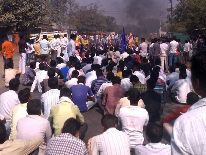 Response to Hingoli in Bhima-Koregaon Case | भीमा-कोरेगावप्रकरणी बंदला हिंगोलीत प्रतिसाद