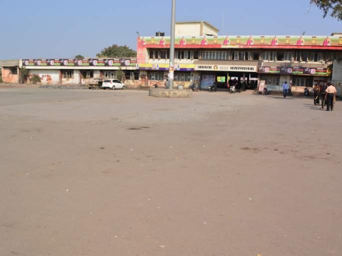 Response to protest in Jalna district | बंदला जालना जिल्ह्यात दणदणीत प्रतिसाद