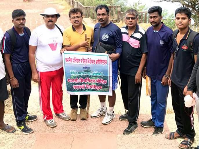 Verle's Mahadevgad-Amboli Girirohana campaign is a successful, thrilling experience   वेर्ले महादेवगड-आंबोली गिर्यारोहण मोहीम यशस्वी, थरारक अनुभव