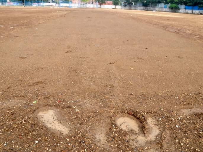 Millions of crores in 'Mud' in Beed; The drizzle grounds drizzle drizzle | बीडमध्ये कोट्यवधींचा निधी 'चिखलात'; रिमझिम पावसाने मैदान खराब