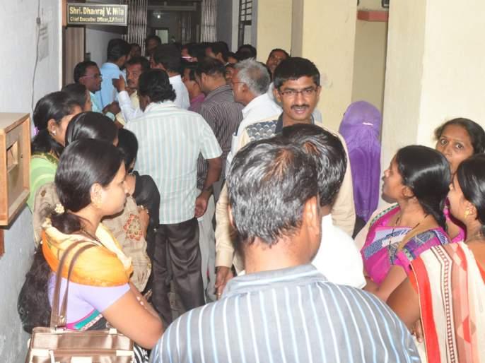 Adjustment of 58 teachers in Beed district | बीड जिल्ह्यात ५८ शिक्षकांचे समायोजन