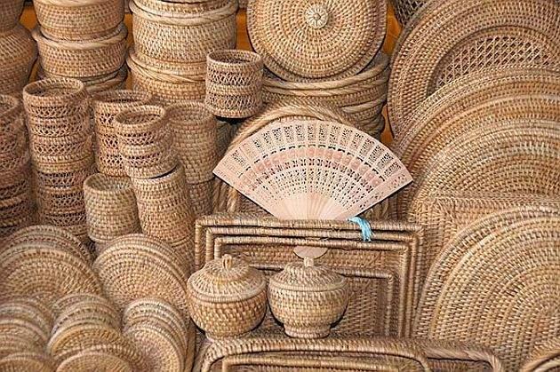 Gadchiroli handicraft will be placed now in abroad; Singapore's Initiative | गडचिरोलीची हस्तकला जाणार विदेशात;सिंगापूरच्या कंपनीचा पुढाकार